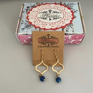Plunder Aila Earrings gold with blue bead